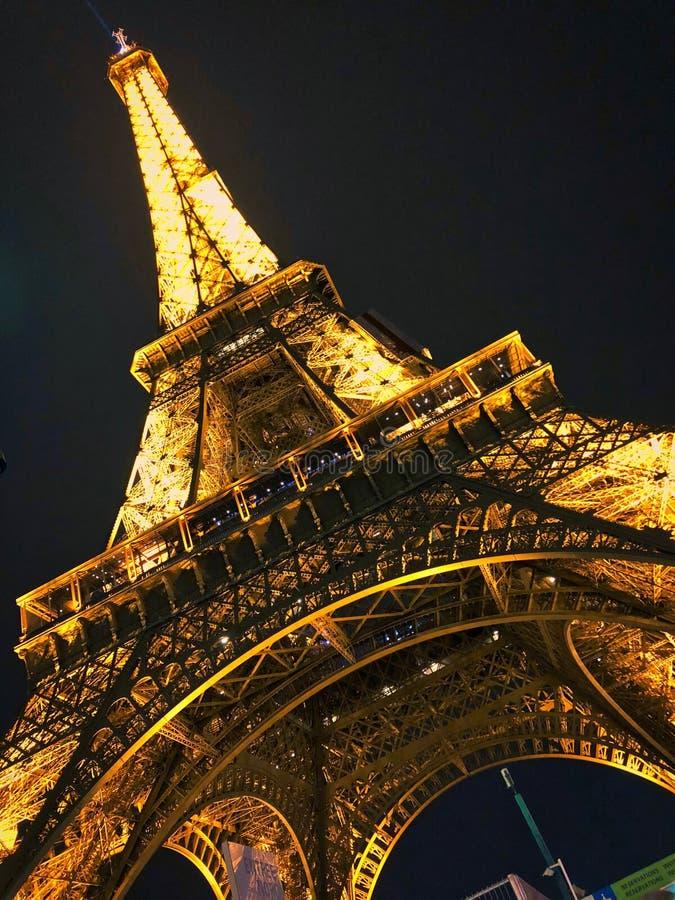 Чудесный взгляд Эйфелева башни стоковые фото