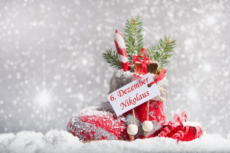 Чулок рождества в снеге стоковое изображение