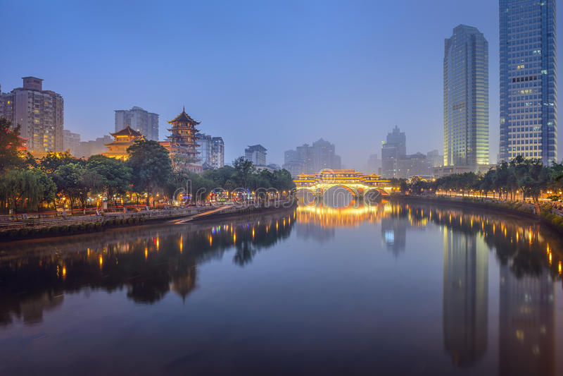 Чэнду, Китай на реке Jin стоковая фотография
