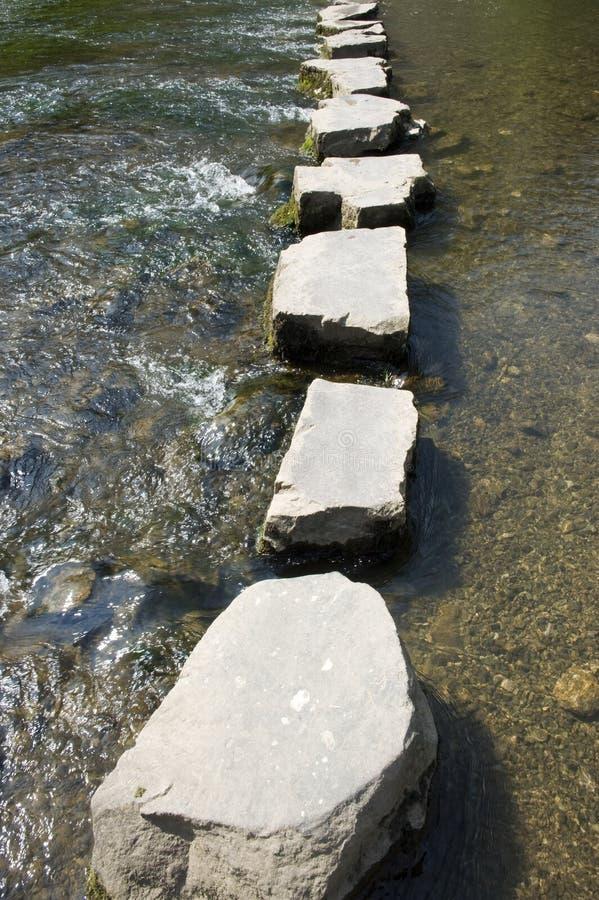 шагая камни стоковое фото rf