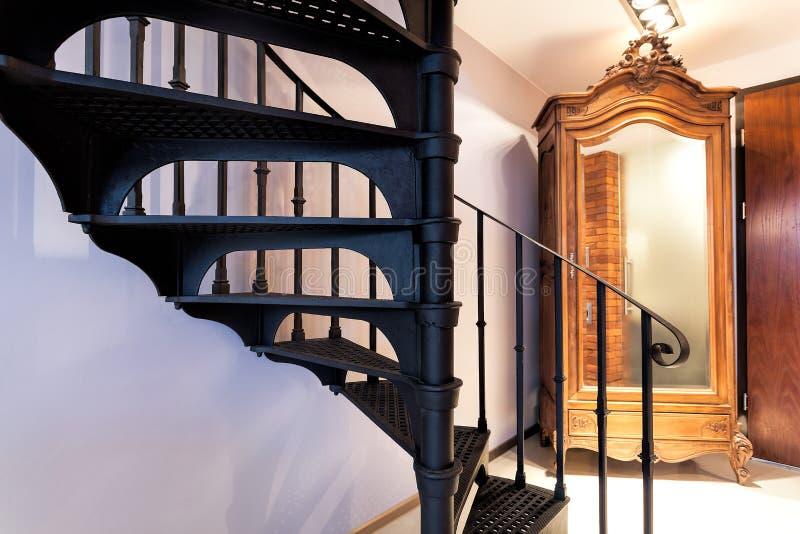 Шаги винтовой лестницы стоковое фото rf