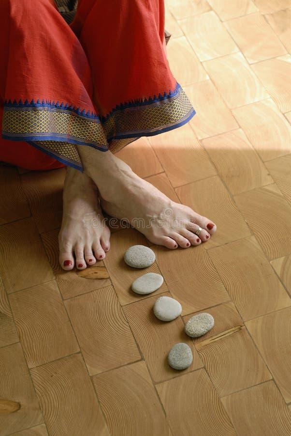 шаги к йоге стоковые фотографии rf