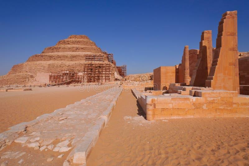 шаг пирамидки s djoser стоковые изображения rf