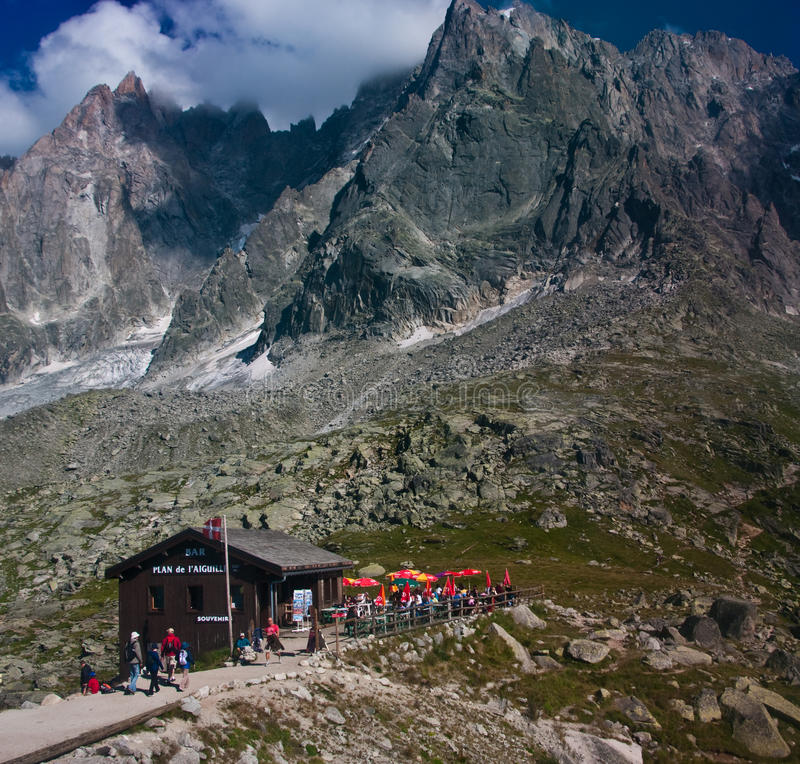 Шамони Альпы, бар горы и укрытие стоковое изображение