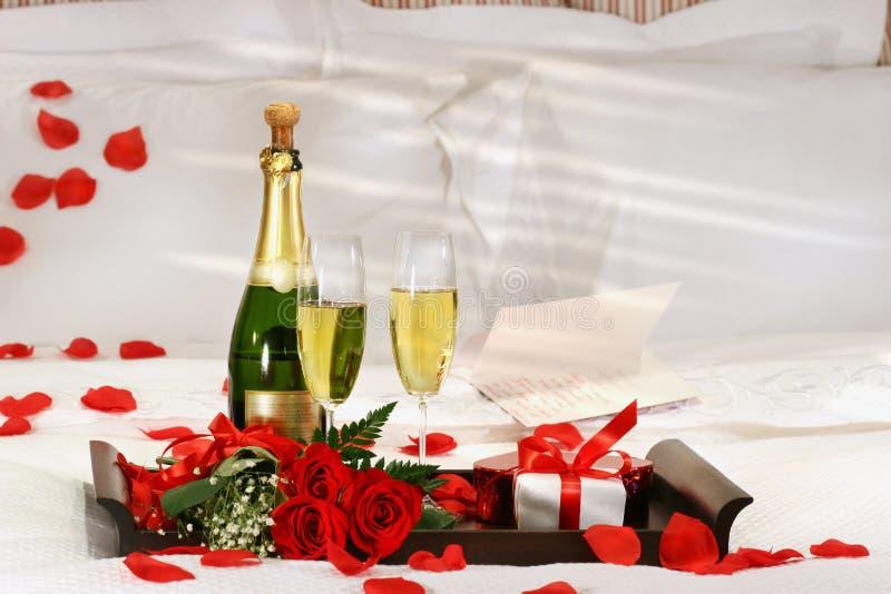 шампанское кровати стоковое фото
