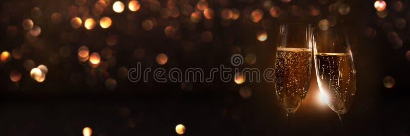 Шампань в ночи Нового Года стоковые изображения rf