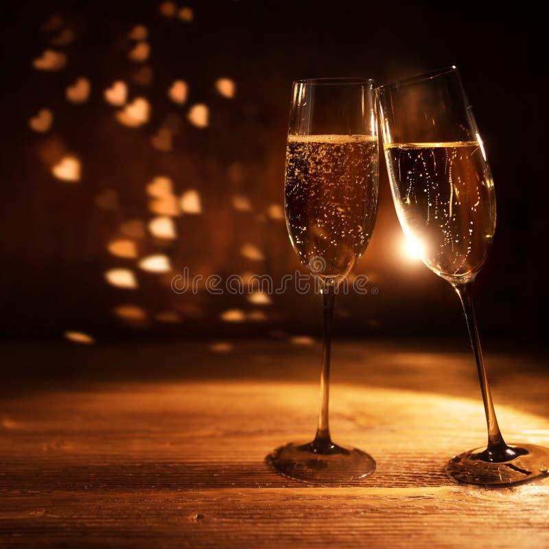 Шампань для 2 любовников стоковые изображения rf