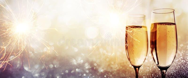 Шампань на счастливый Новый Год стоковое фото rf