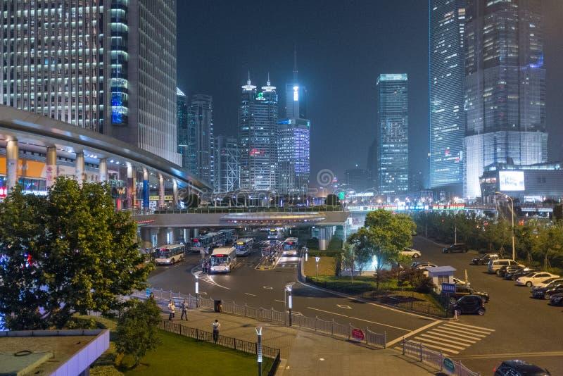 Шанхай, Китай на ноче стоковая фотография rf