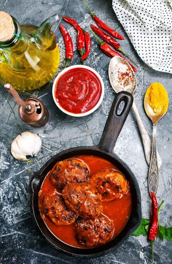 Шарики мяса с соусом стоковые изображения rf