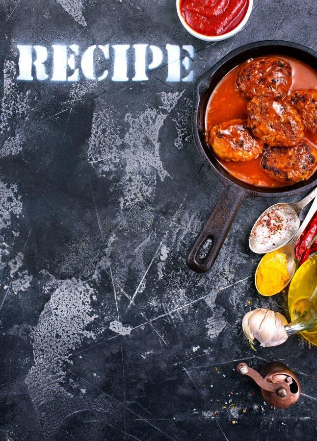 Шарики мяса с соусом стоковая фотография rf