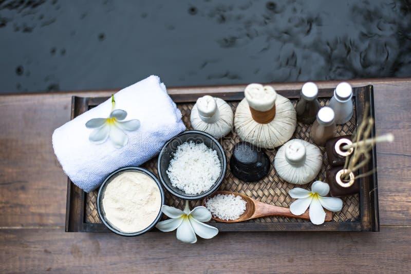 Шарики обжатия массажа курорта стоковое изображение