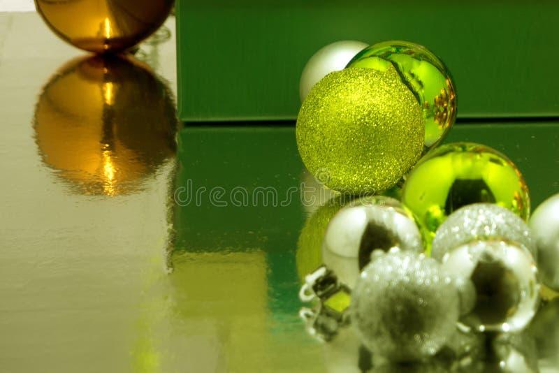 Шарики подарка рождества от съели стоковая фотография