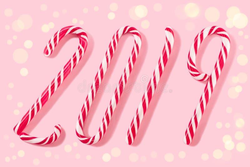 Шарики рождества для украшения на розовой предпосылке стоковое изображение