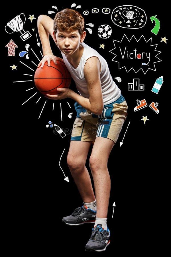 Шарик баскетбола в руках стоковое фото rf