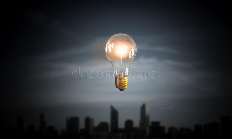 Download Шарик накаляя в темноте Мультимедиа Стоковое Фото - изображение насчитывающей зодчества, электричество: 81807696