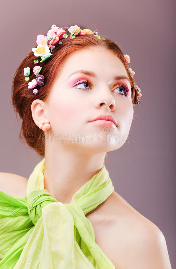 шарф девушки зеленый стоковые фото