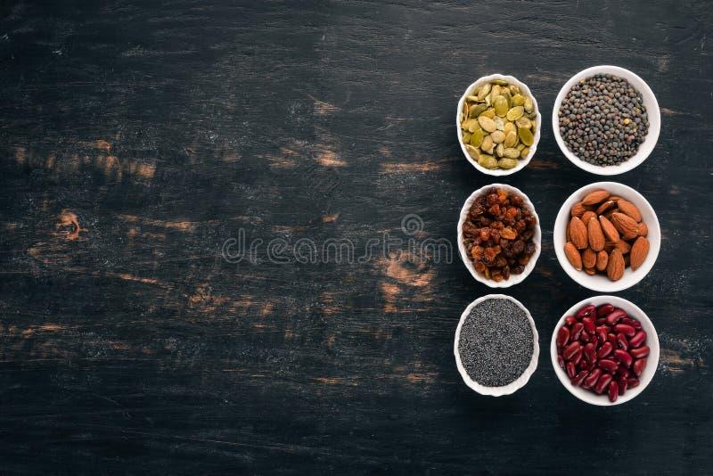 шары различных superfoods стоковые изображения