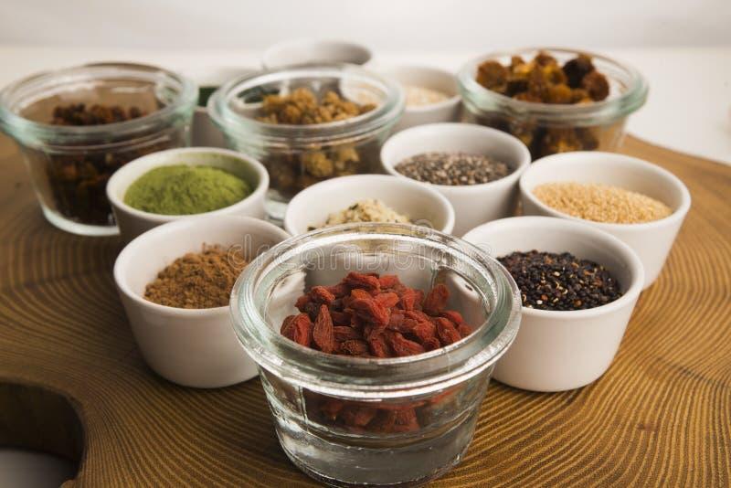 Шары различных superfoods стоковая фотография