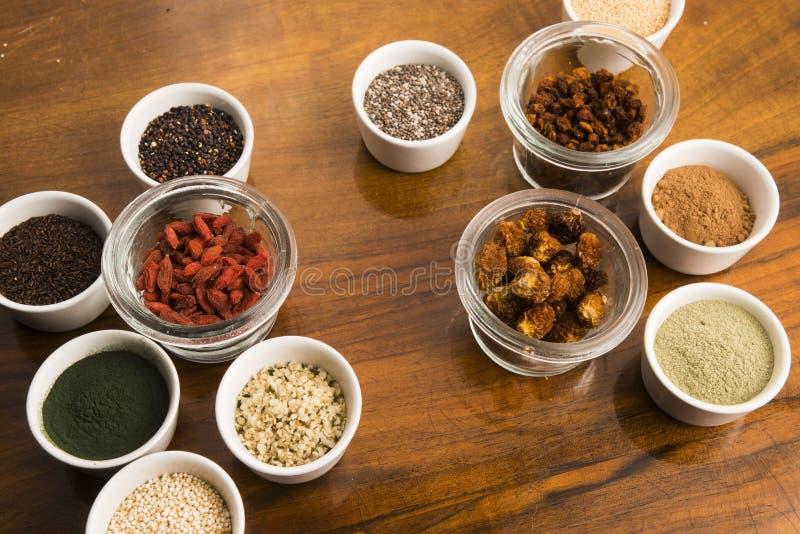 Шары различных superfoods стоковое изображение rf