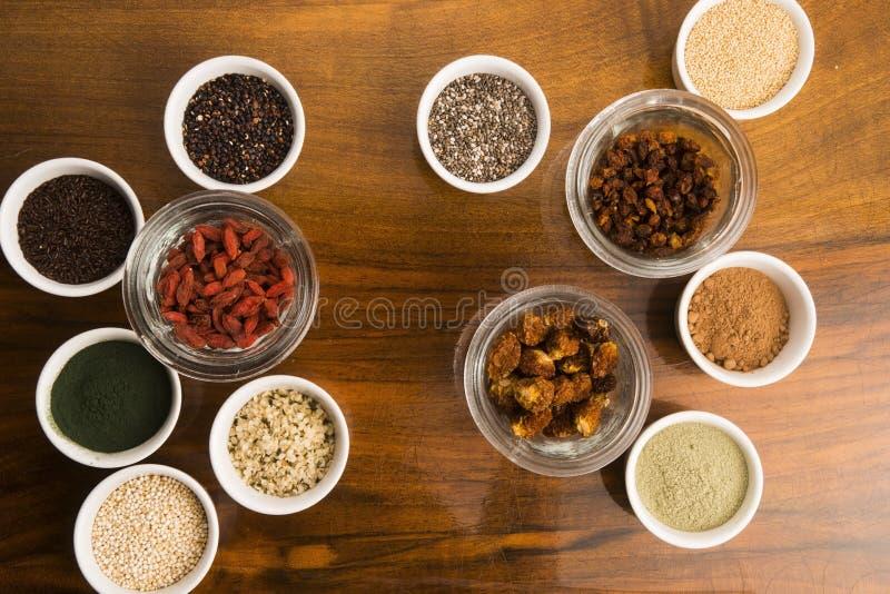Шары различных superfoods стоковые фото