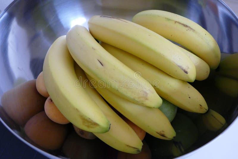 Шар свежих желтых бананов стоковое изображение rf