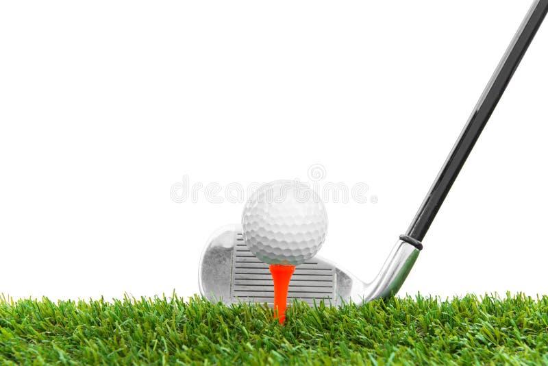 Download Шар для игры в гольф на курсе Стоковое Изображение - изображение насчитывающей воссоздание, красивейшее: 33725663