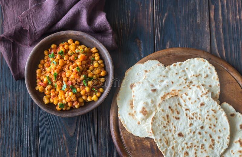 Шар masala chana с flatbread стоковые изображения