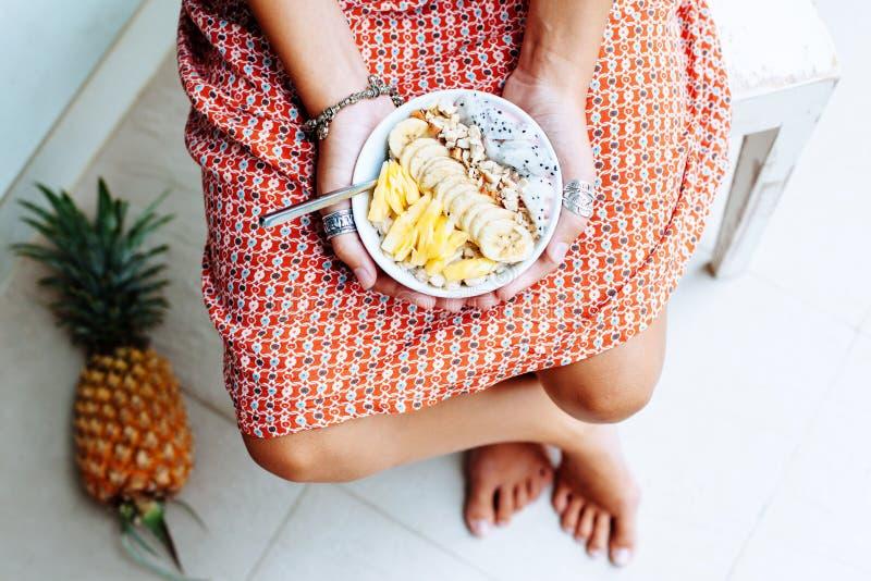 Шар Smoothie с свежими фруктами стоковая фотография rf
