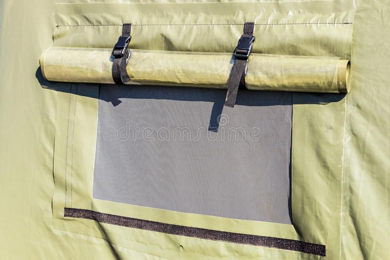 Шатры шатра воинские или туристские с окном стоковые фото