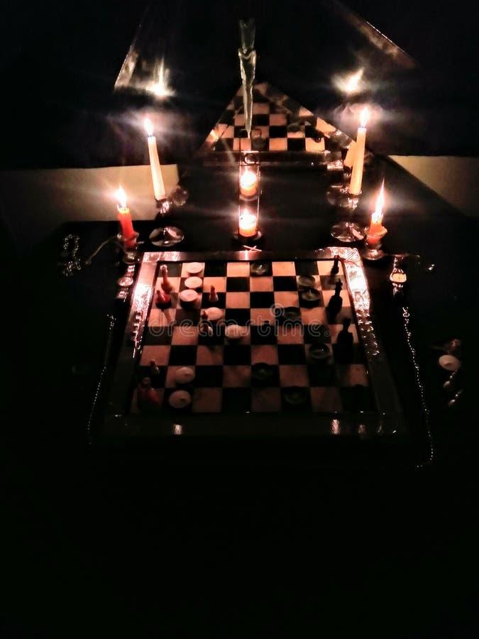 Шахматы в сырцовом стоковая фотография