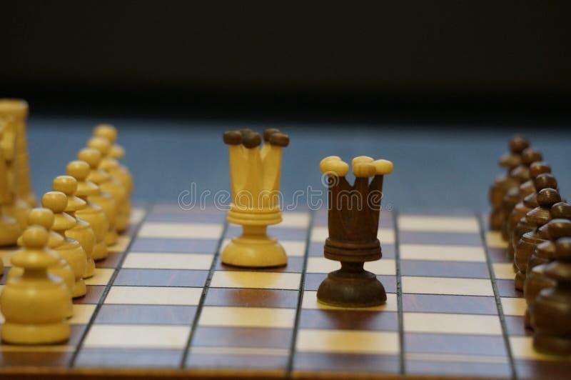 Шахматы игра для больших людей стоковое изображение