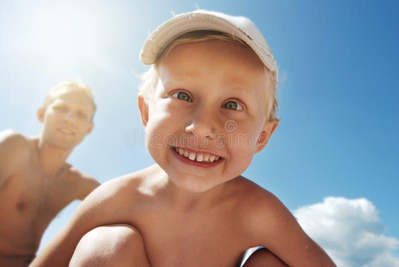 Шальной ся счастливый портрет ребенка стоковые изображения rf