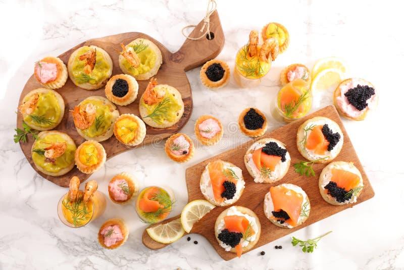 Шведский стол еды пальца стоковые изображения rf