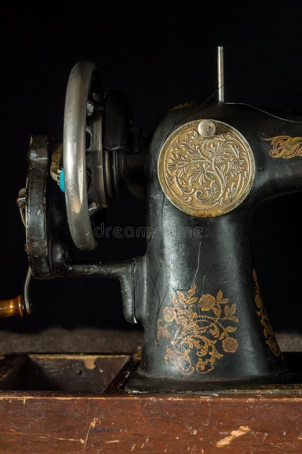 Швейная машина ретро стоковые изображения