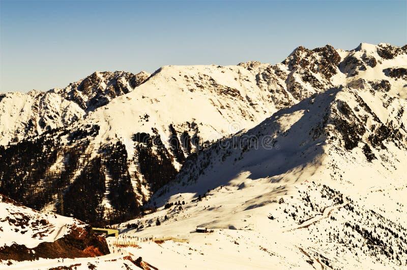 Швейцарец Альпы в винтажных оттенках стоковое изображение