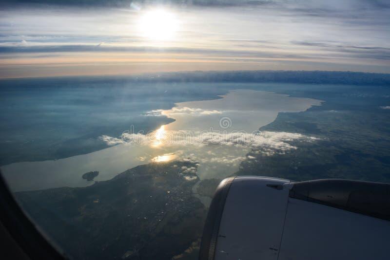 ШВЕЙЦАРЕЦ A320 над constance озера стоковое изображение rf