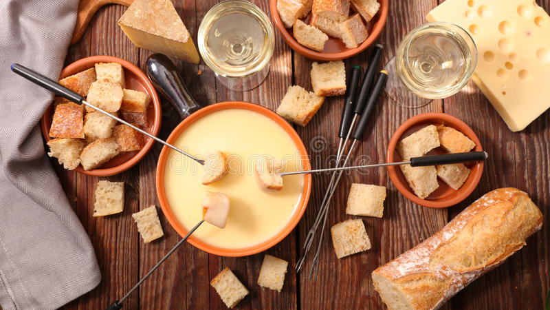 Швейцарец фондю сыра стоковое фото