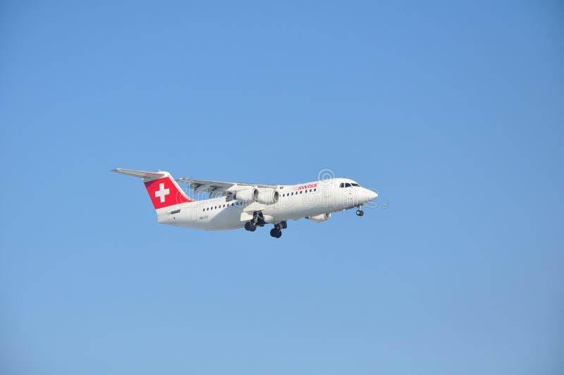 Швейцарец Avro RJ100 Jumbolino стоковая фотография rf