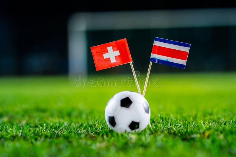 Швейцария - Коста-Рика, группа e, Wednesday, 27 Футбол -го июнь, кубок мира, Россия 2018, национальные флаги на зеленой траве, бе стоковая фотография