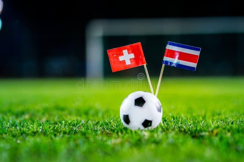 Швейцария - Коста-Рика, группа e, Wednesday, 27 Футбол -го июнь, кубок мира, Россия 2018, национальные флаги на зеленой траве, бе стоковое фото