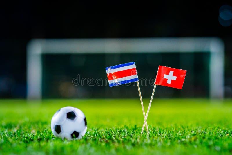 Швейцария - Коста-Рика, группа e, Wednesday, 27 Футбол -го июнь, кубок мира, Россия 2018, национальные флаги на зеленой траве, бе стоковые изображения
