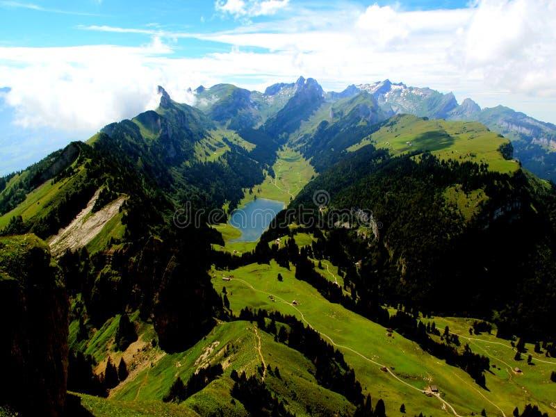 Швейцарские горы - Alpstein Appenzell стоковые фото