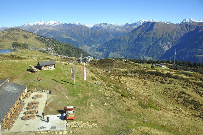 Швейцарский горный вид горных вершин от Riederalp/Moosfluh в кантоне Уоллисе стоковое фото