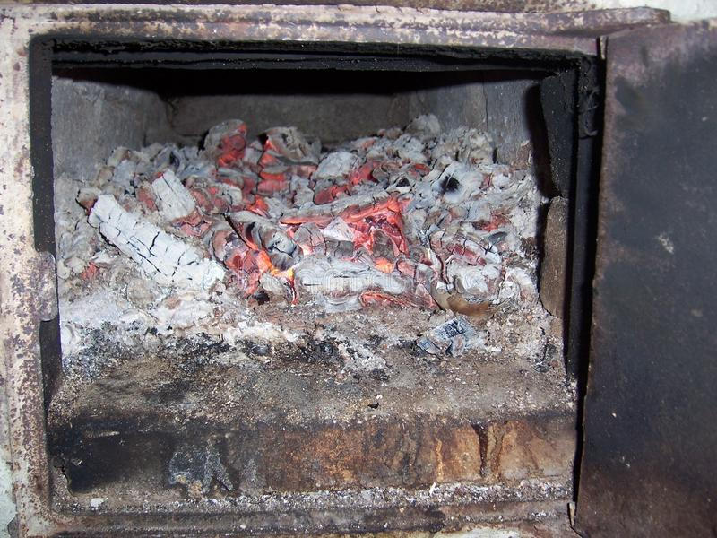швырок в firebox стоковые фотографии rf