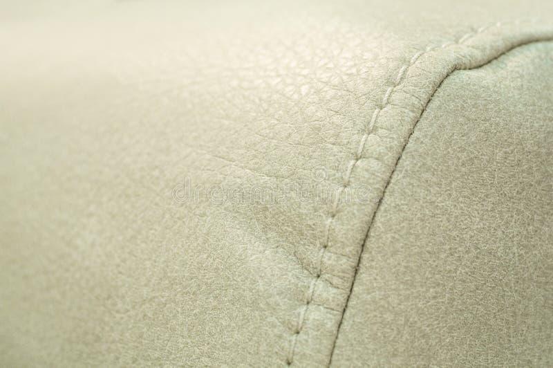 Швы на диване близко Концепция технологии Выставка диванов стоковые изображения rf