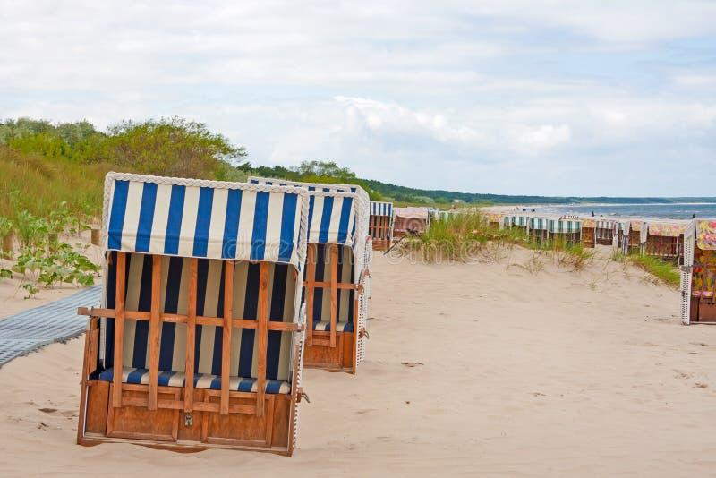 Download Шезлонги, Балтийское море стоковое изображение. изображение насчитывающей германия - 41651849