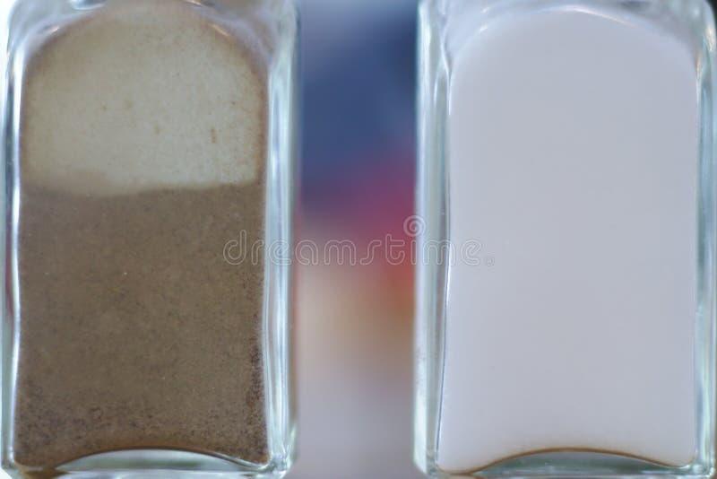 Шейкеры соли и перца стоковые фотографии rf