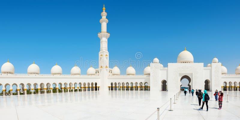 Шейх Zayed Грандиозн Мечеть 2-ого октября 2014 в Абу-Даби стоковые изображения