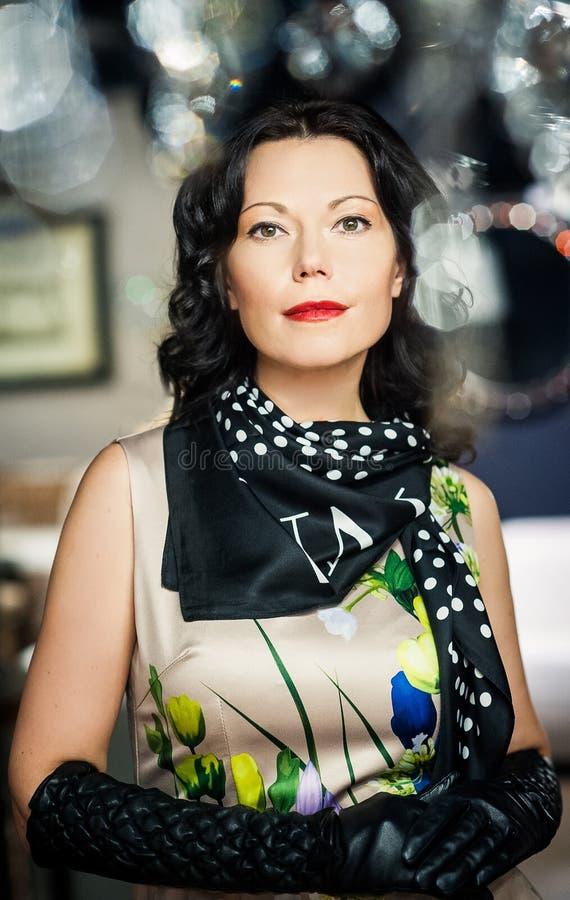 шикарная женщина портрета стоковое фото rf